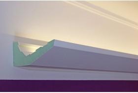 """LED Lichtvouten """"DBML-120-PR"""" für die indirekte Beleuchtung der Decke aus Hartschaum."""
