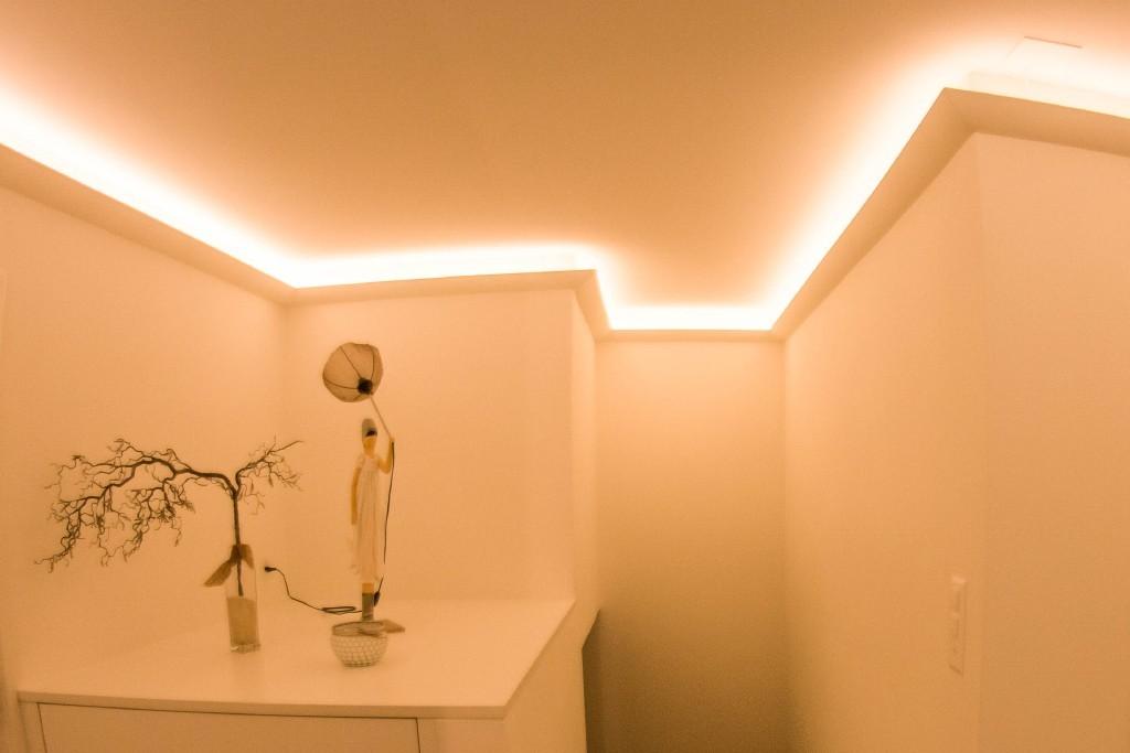 led stuckleiste dbkl 95 st f r indirekte beleuchtung decke bendu. Black Bedroom Furniture Sets. Home Design Ideas