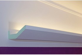 """Stuckleiste """"DBML-70-PR"""" für die indirekte LED Beleuchtung der Decke aus Hartschaum."""
