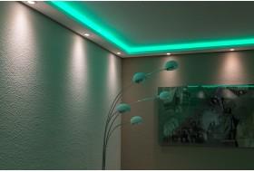 """Beispiel 3 - Indirekte Wand- und Deckenbeleuchtung im Wohnzimmer mit den LED Stuckleisten """"WDML-200A-ST""""  aus Hartschaum."""