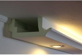 """Klassisches Licht Profil """"WDKL-200B-PR"""" aus Hartschaum für direktes und indirektes Licht an Wand und Decke."""