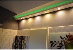 """Beispiel 2 - Indirekte Wand- und Deckenbeleuchtung mit den LED Stuckleisten """"WDML-200C-PR"""" im Badezimmer."""