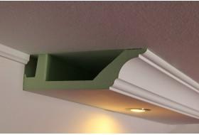 Klassisches Deckenprofil BSKL-290A-PR für die direkte Beleuchtung der Wand mit LED Spots bzw. Downlights.