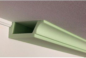 Deckenprofil BSKL-180B-ST aus Hartschaum für die direkte Beleuchtung der Wand mit LED Spots bzw. Strahlern.