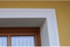 """Beispiel 1 - Fensterfasche """"FAKL-80-PR"""" als Fensterumrahmung für Fenster und Türen."""