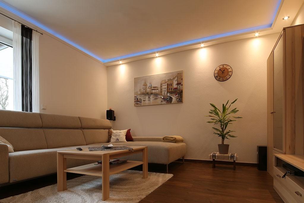 "LED Stuckprofile ""WDKL-200B-ST"" Indirekte Beleuchtung Wand"