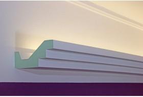"""Modernes Vouten-Profil """"DBML-110-PR"""" für die indirekte LED Beleuchtung der Decke aus Hartschaum."""