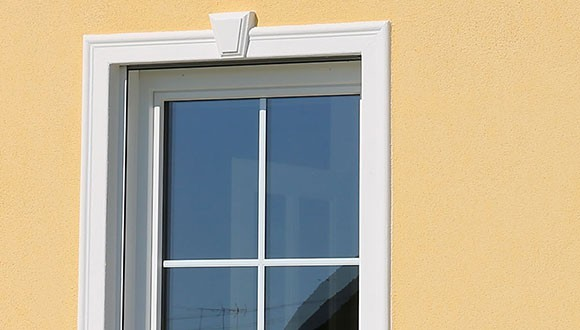 Keystones for the Combination with Window Surrounds