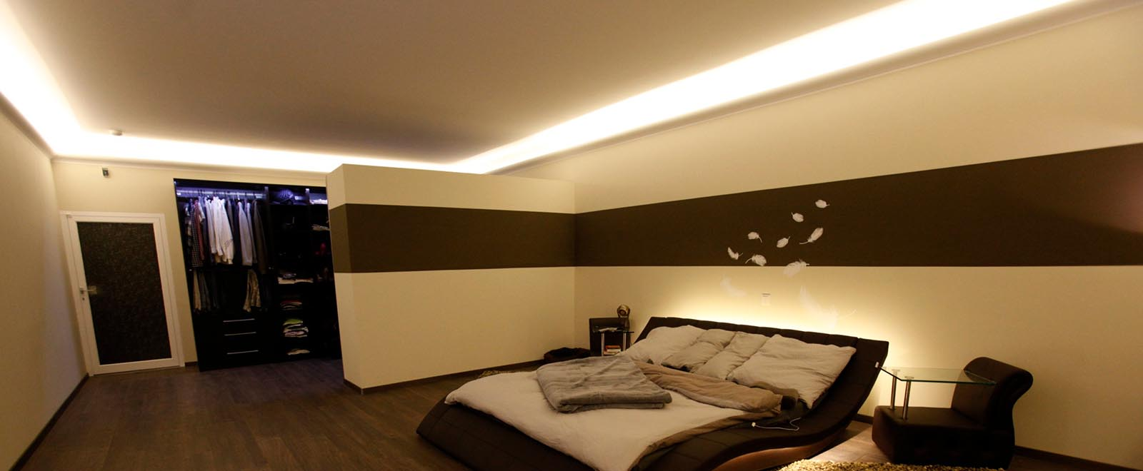 Indirect lighting in the bedroom - nice ideas  BENDU