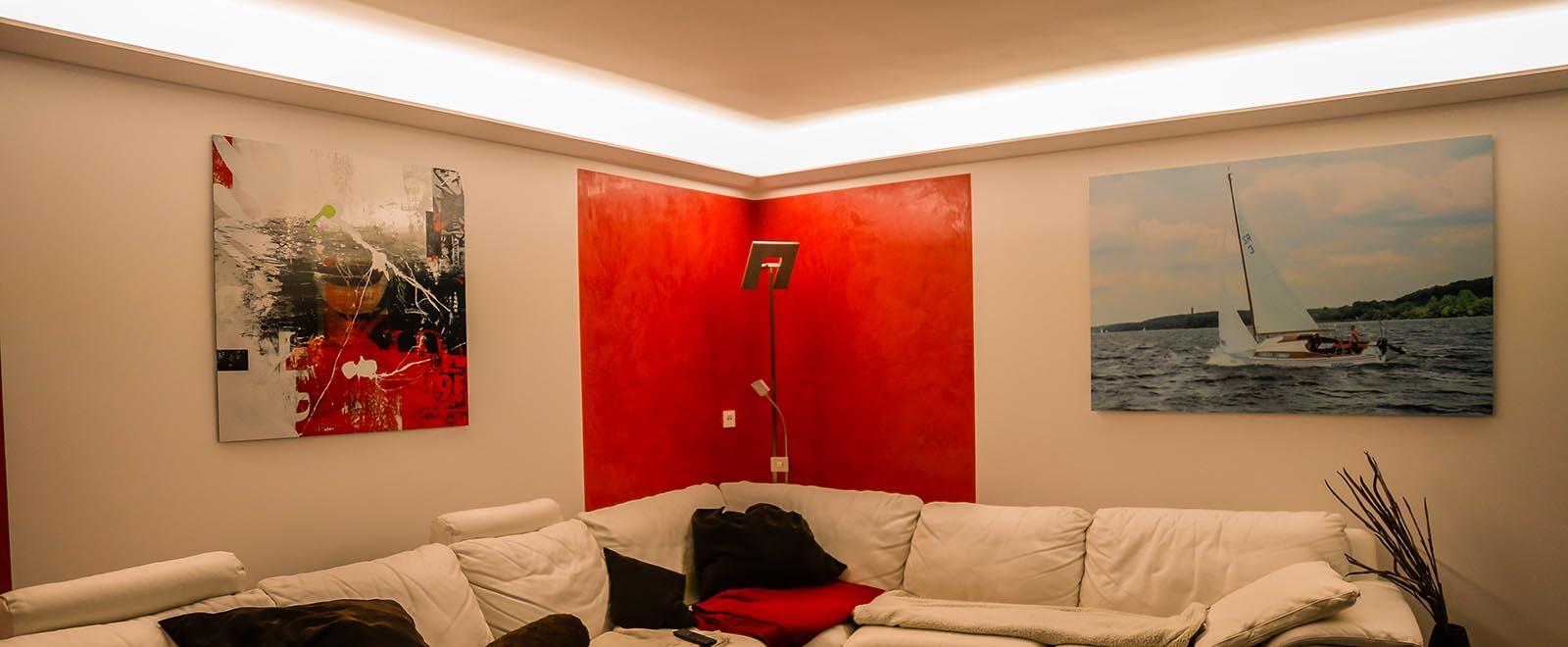 Eine indirekte Deckenbeleuchtung mit LED Stuckleisten - Tipps und Tricks zum selber machen