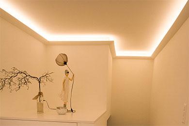 Led Stuckleisten Fur Indirekte Beleuchtung Von Wand Und Decke Bendu